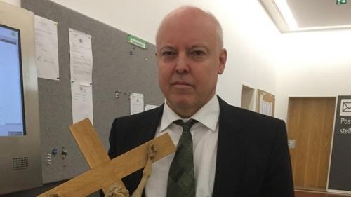 aviere-crucifix-decroche.jpg